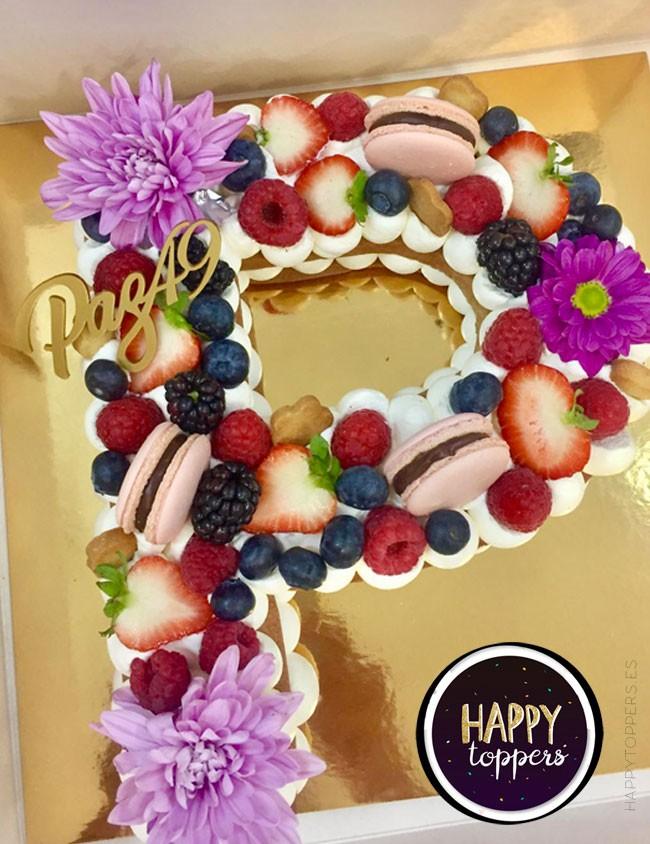 cake topper mini para adornar tartas con nombre y número. Adorno tarta cumpleaños paz padilla.