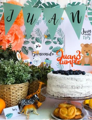 Cake topper personalizado cumpleaños en acrílico con el nombre del niños y los años. Juan cumple 3.
