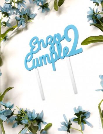 cake topper para cumpleaños personalizado con nombre del niño y número del cumpleaños. Cartel para cumple
