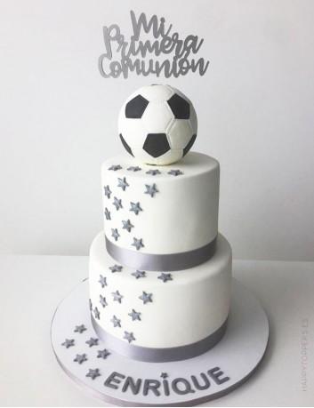 decora la tarta de primera comunión con un cartel happy, ideas con estilo