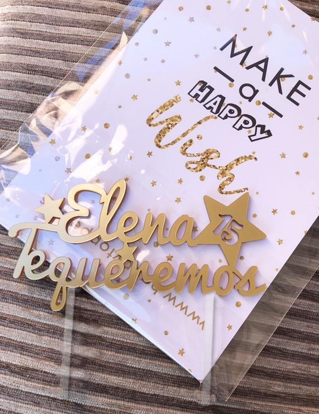 cake topper para cumpleaños personalizado con el nombre y la edad que cumple. Detalles para cumpleaños en happy toppers and deco