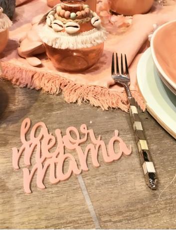 cake toppers personalizados para cumpleaños y días especiales. Hechos en acrílico disponible en varios colores.