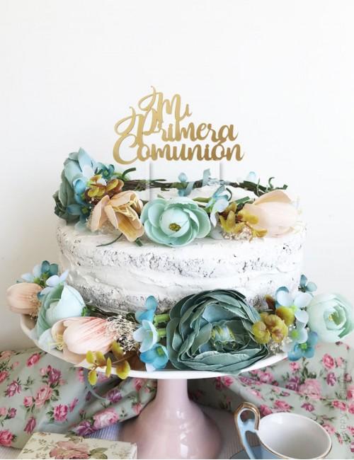Cake topper exclusivo tarta mi primera comunión. Decoracion tartas comuniones. Celebraciones con cake topper.