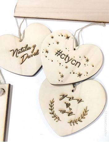 adorno navidad personalizado con nombre, frases cortas, dedicatorias... Corazon madera con nombre para decorar árbol