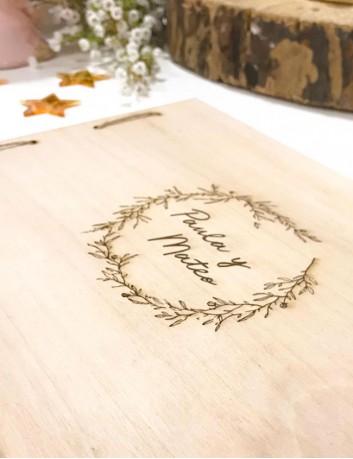 libro de firmas y álbum de fotos de madera, portada grabada con nombres, fechas...