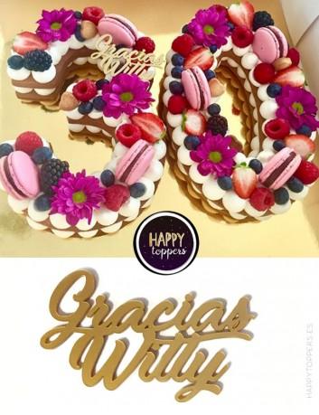 cake topper frase bonita corta para adornar las tartas de cumpleaños. Vive un cumpleaños feliz con nuestros adornos para tartas
