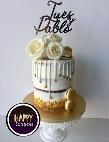 Decora el pastel de boda con los nombres de los novios, cake topper personalizado. Decoración bodas con encanto.