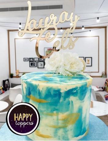 wedding cake topper para adorna el pastel de boda estilo clásico en oro espejo. Bodas vintage con encanto.