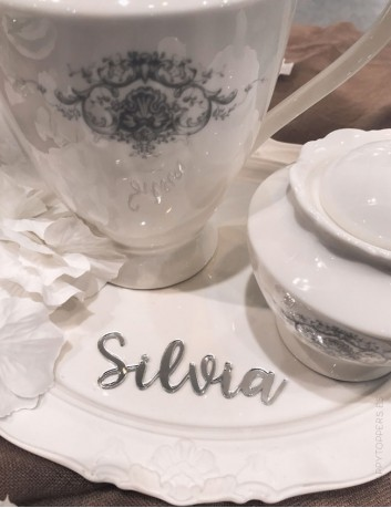 marcasitios para mesas de invitados para bodas. Meseros para las bodas. Bodas con encanto, decora con Happy todo perosonalizado