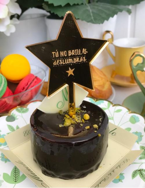 mini topper en forma de estrella con frases wonderful personalizables