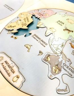 mapa mundi en madera con los continentes para niños método montessori pintado a mano