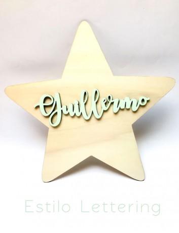 decora la pared con una estrella de madera con el nombre personalizado sobre la estrella elige estilo de letra