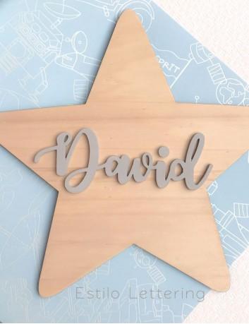 decoración pared con estrella madera y nombre en color gris efecto tiza